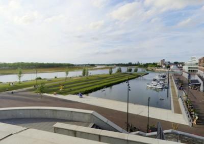 Uitzicht over de Maasboulevard
